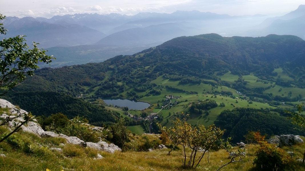 Lac-de-La-Thuile-avec-Belledonnes